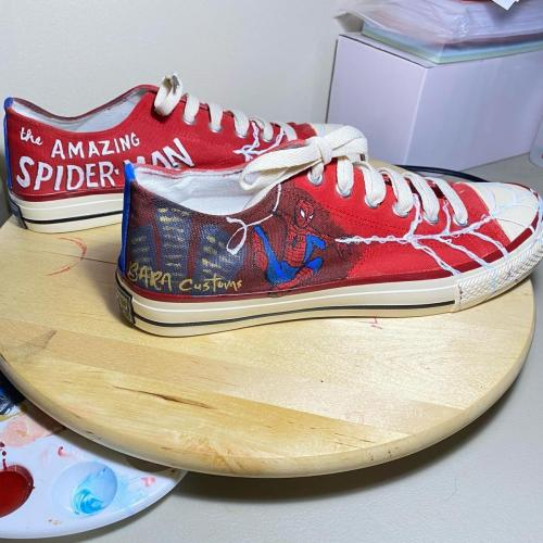 spider-man shoes right